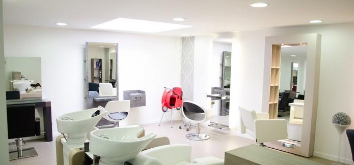 Combien co te l 39 am nagement d 39 un salon de coiffure maison du meuble - Agencement d un salon de coiffure ...